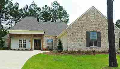 Ridgeland Single Family Home Contingent: 328 Wrenfield Way