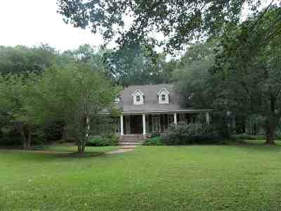 Ridgeland Single Family Home Contingent: 121 Meadowlark Ln