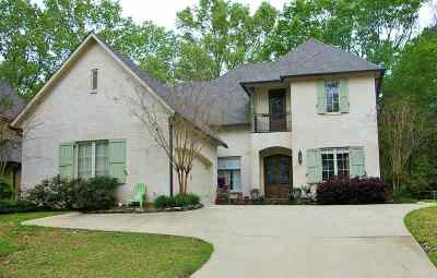 Madison Single Family Home For Sale: 301 Hoy Farms Dr
