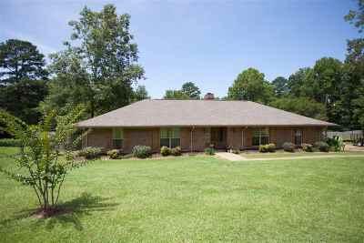 Madison Single Family Home For Sale: 223 Arapaho Ln