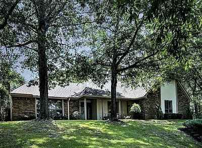 Clinton Single Family Home For Sale: 106 Water Oaks Dr
