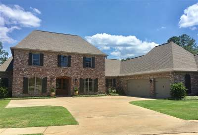 Madison Single Family Home For Sale: 205 Clermont Dr