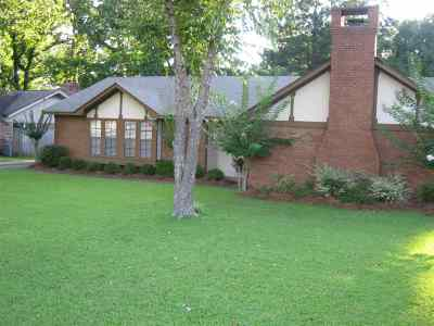 Ridgeland Single Family Home For Sale: 303 Pear Orchard Rd