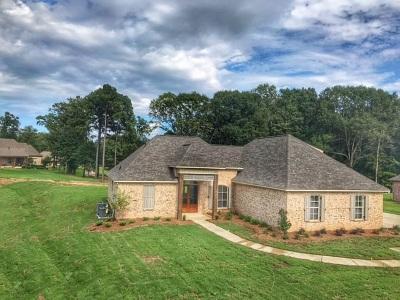 Madison Single Family Home For Sale: 176 Saddle Brook Cv