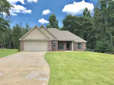 Byram Single Family Home For Sale: 128 Forest Lake Dr