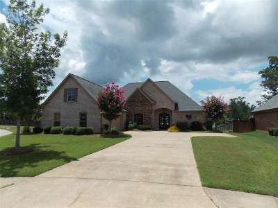 Madison County Single Family Home For Sale: 123 Bradshaw Crossing Dr
