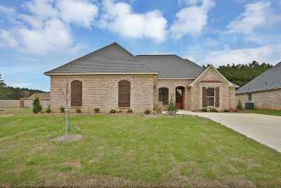 Flowood Single Family Home Contingent: 310 Royal Pond Circle
