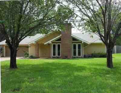 Ridgeland Single Family Home Contingent: 325 S Pear Orchard Rd