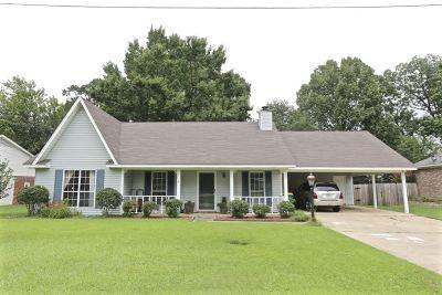 Ridgeland Single Family Home Contingent: 302 Brookwoods Dr