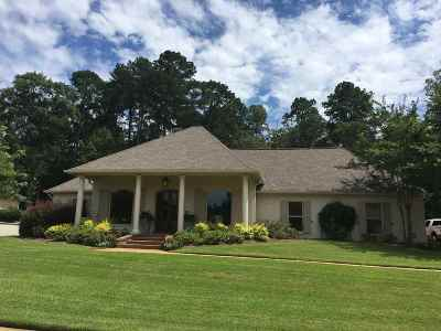 Madison Single Family Home For Sale: 818 Beaumont Dr