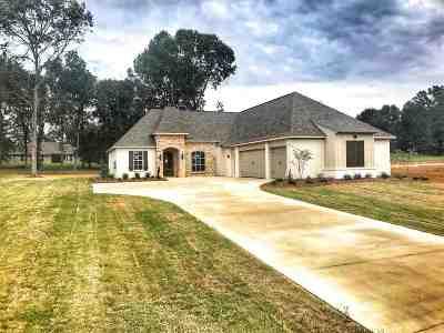 Madison Single Family Home For Sale: 136 Saddle Brook Cv