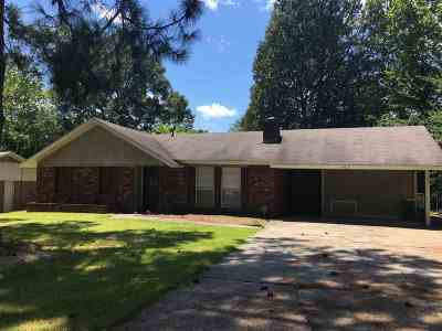 Ridgeland MS Single Family Home For Sale: $95,000