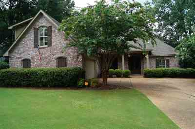 Madison Single Family Home For Sale: 112 Silvertree Crossing