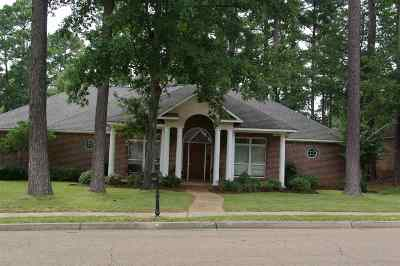 Ridgeland Single Family Home For Sale: 605 Wendover Way