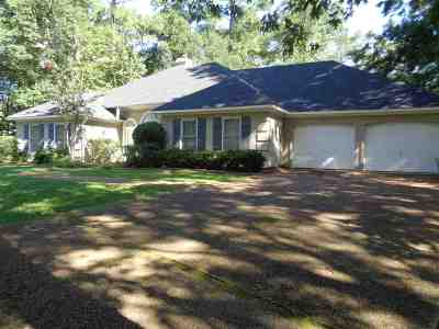 Madison Single Family Home Contingent: 713 Madeira Ct