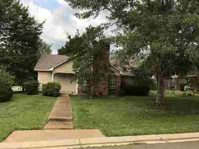 Madison Single Family Home For Sale: 541 Post Oak Pl