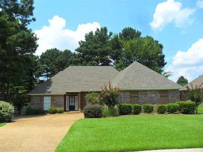 Madison Single Family Home For Sale: 103 Brierfield Dr