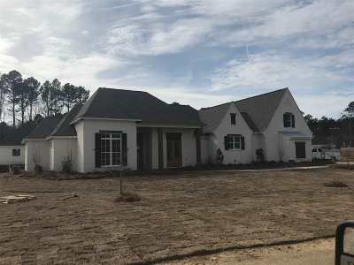 Madison Single Family Home For Sale: 107 Longleaf Ln