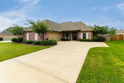 Madison Single Family Home For Sale: 159 Stillhouse Creek Dr