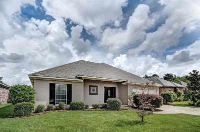 Brandon Single Family Home For Sale: 153 Regatta Dr