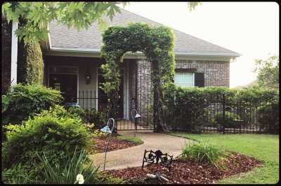Brandon Single Family Home For Sale: 619 N Harbor Dr