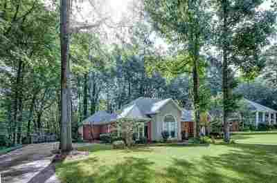 Ridgeland Single Family Home For Sale: 320 Woodrun Dr