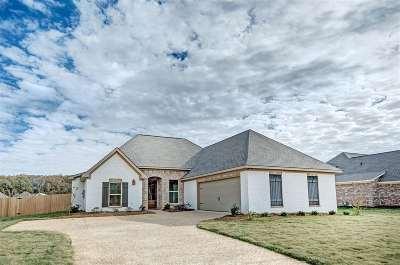 Brandon Single Family Home For Sale: 624 Tucker Crossing