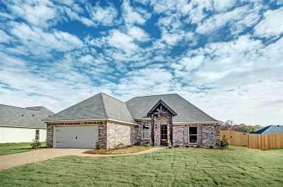 Brandon Single Family Home For Sale: 622 Tucker Crossing