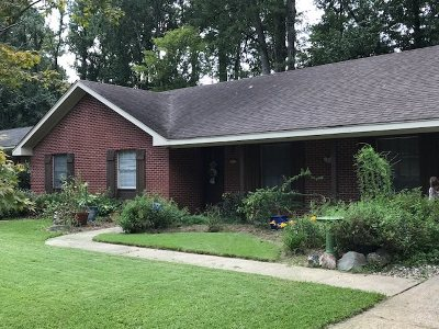 Single Family Home For Sale: 5621 Warwick Dr