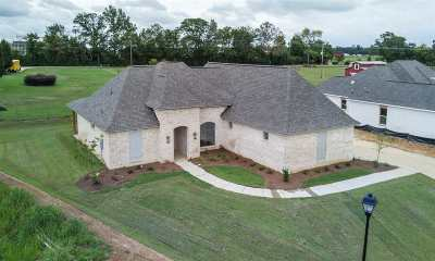 Madison Single Family Home For Sale: 233 Harris Circle
