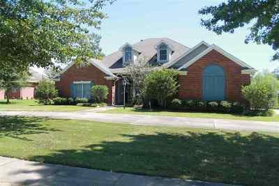 Clinton Single Family Home For Sale: 106 Grand Oak Blvd