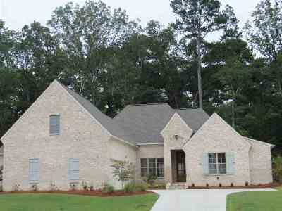 Madison Single Family Home For Sale: 167 Cavanaugh Dr
