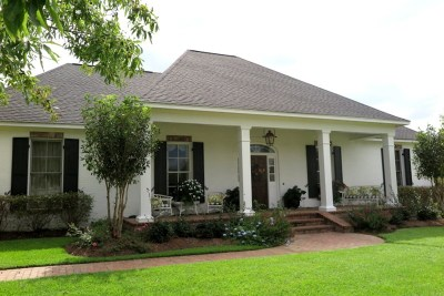 Madison Single Family Home Contingent: 147 Northshore Way