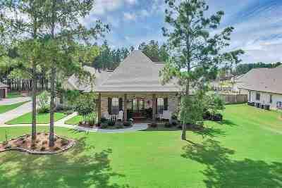Madison Single Family Home For Sale: 113 Saddlebrook Cove