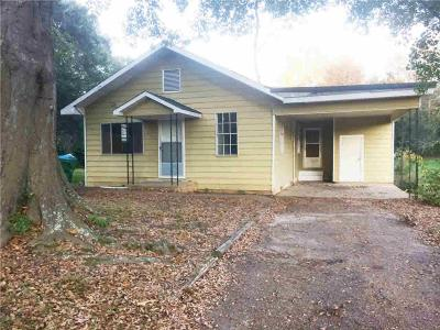Single Family Home For Sale: 206 Main St