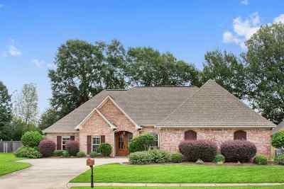 Madison Single Family Home For Sale: 167 Carmichael Blvd