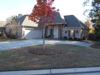 Madison Single Family Home For Sale: 105 Fieldstone Ln