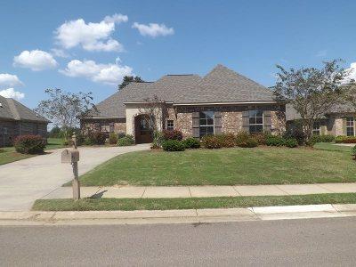 Madison Single Family Home For Sale: 158 Stillhouse Creek Dr