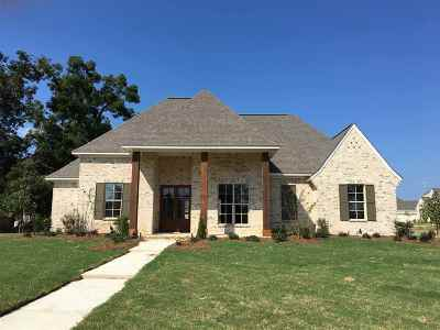 Madison Single Family Home For Sale: 105 Colony Pl