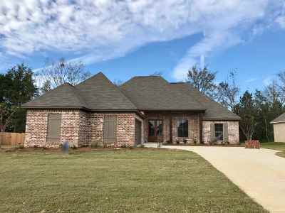 Madison Single Family Home For Sale: 250 Falls Crossing
