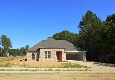 Lake Caroline Single Family Home Contingent: 100 Hampton Lane