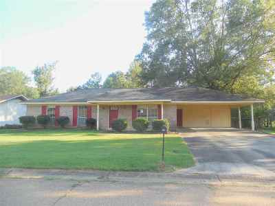 Jackson MS Single Family Home Contingent: $70,000
