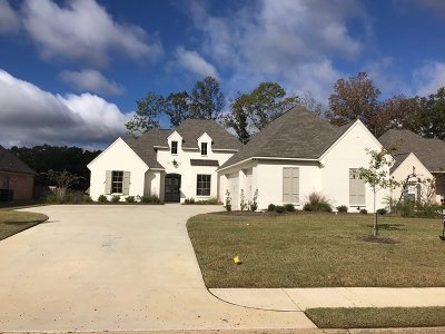 Madison Single Family Home For Sale: 237 Grayhawk Dr