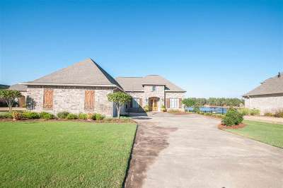 Madison Single Family Home For Sale: 128 Camden Shores