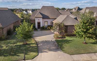 Madison Single Family Home For Sale: 102 Belle Ct