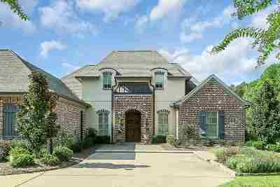 Flowood Single Family Home For Sale: 100 Indian Creek Blvd