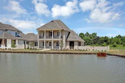 Madison Single Family Home For Sale: 326 Stone Lake Cove
