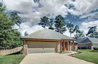 Brandon Single Family Home For Sale: 616 Hampshire Dr