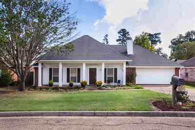 Ridgeland Single Family Home Contingent: 702 Hope Farm Dr