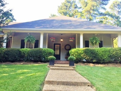 Ridgeland Single Family Home For Sale: 380 Pinewood Ln